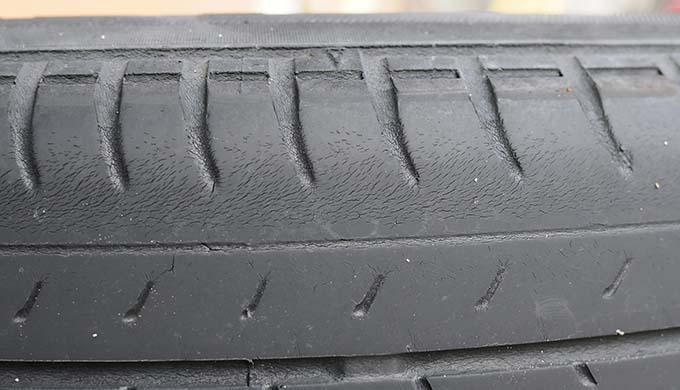 タイヤ交換のタイミングはいつ?ミニバン・ワンボックスにおすすめのタイヤ5選【21021年8月版】 寿命 ひび割れ 魔も