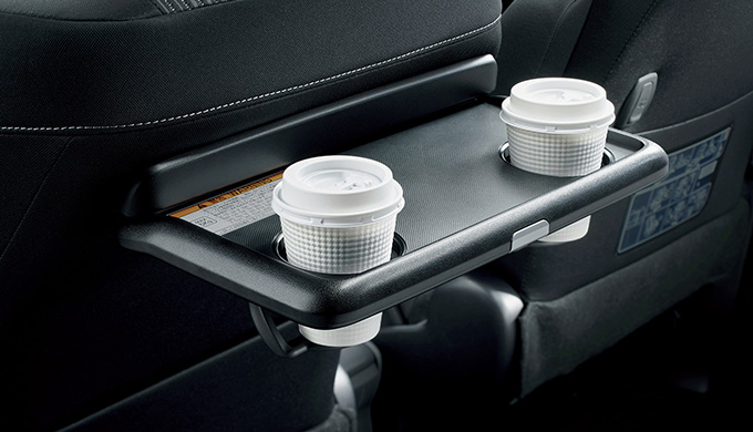 R30G/W型トヨタ ノアのグレード別内装・収納・シートアレンジをご紹介! 室内収納