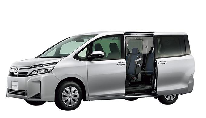 トヨタ ヴォクシーのボディサイズは3代目と2代目でどれだけ違う?車体・室内・荷室サイズを比較してみました! 3代目 R80G/W スライドドア
