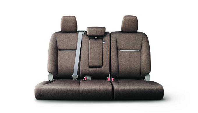 5代目RP型ホンダ ステップワゴンのシートアレンジをご紹介!最大の魅力は3列目シートの床下収納だ! 2列目シート ベンチシート